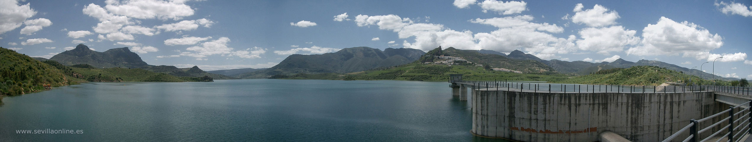 Panoramic images of the reservoir of Zahara-El Gastor in Sierra de Grazalema natural park
